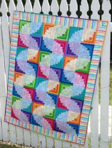 Curvy Log Cabin by Janet Houts | Blackfoot Quilt Fest